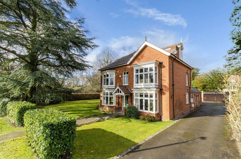 6 Bedrooms Detached House for sale in Eslaforde, Alverston Avenue, Woodhall Spa