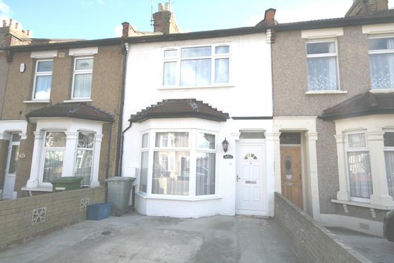 Astounding Thorold Road Ilford Ig1 4 Bed House To Rent 1 700 Pcm Interior Design Ideas Grebswwsoteloinfo