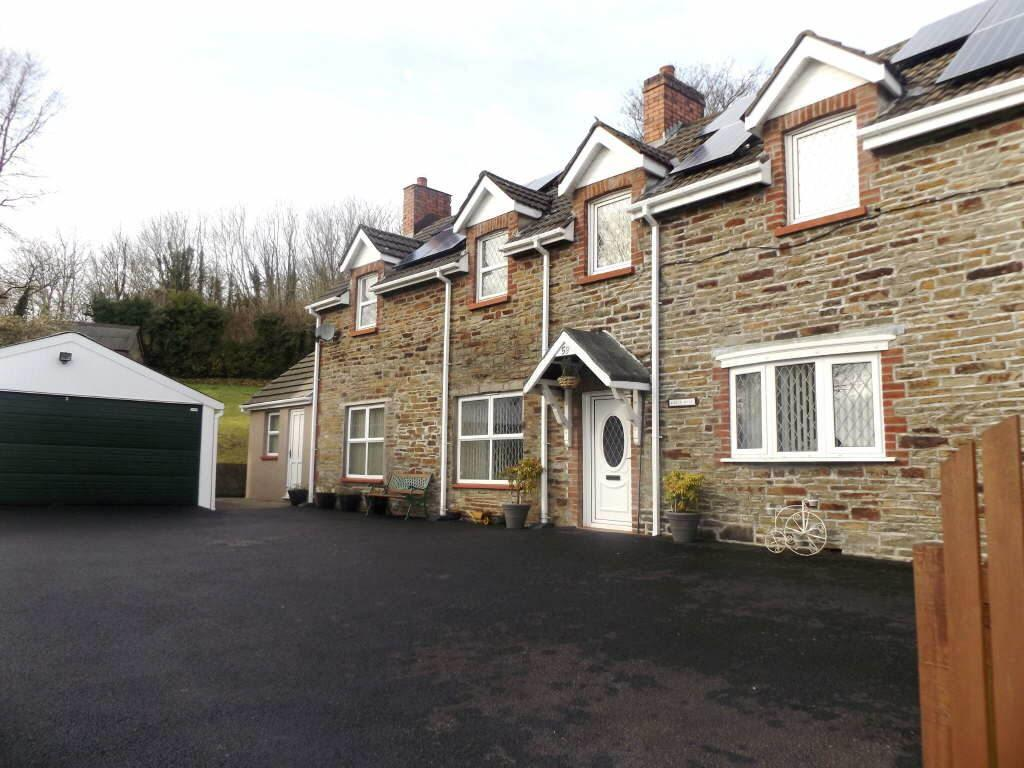 4 Bedrooms Detached House for sale in Long Row, Llanelli, Carmarthenshire
