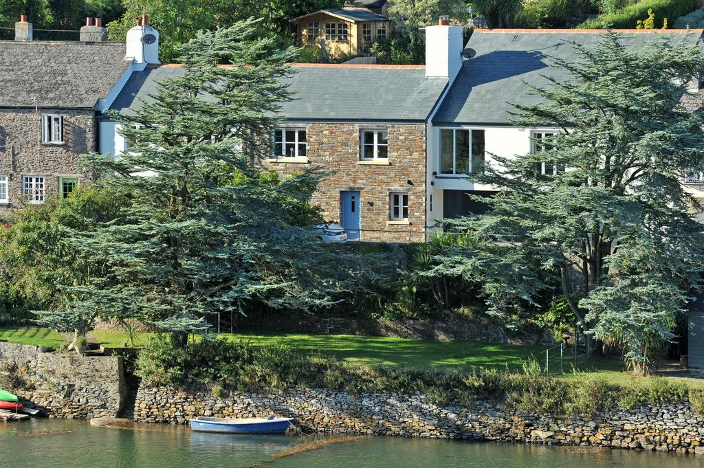 4 Bedrooms Cottage House for sale in Riverside, Newton Ferrers PL8