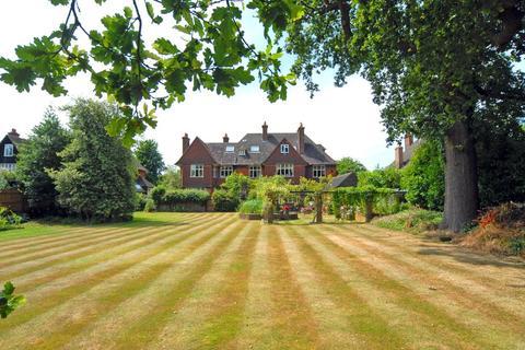 2 bedroom flat - Shepherds Green, Chislehurst, Kent, BR7