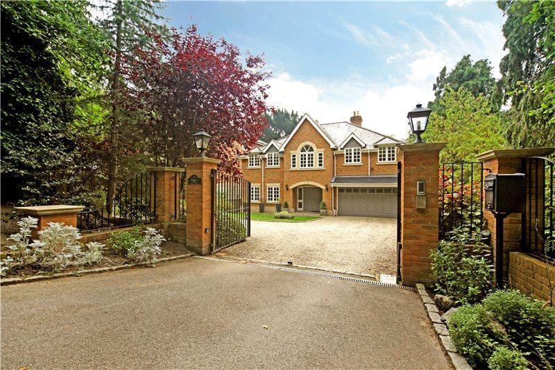 5 Bedrooms Detached House for rent in Knowle Hill, Virginia Water, Surrey, GU25