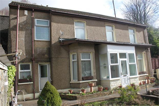 3 Bedrooms Detached House for sale in Ystrad Road, Pentre, Rhondda Cynon Taff, CF41 7PH