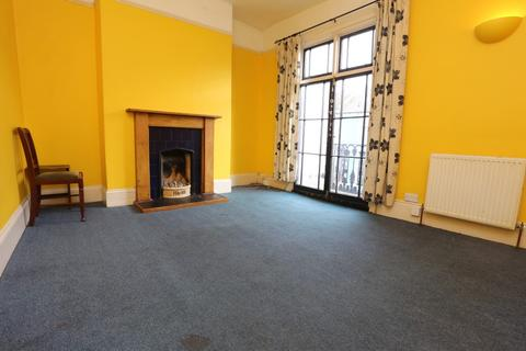 3 bedroom terraced house to rent - Viaduct Road, Brighton