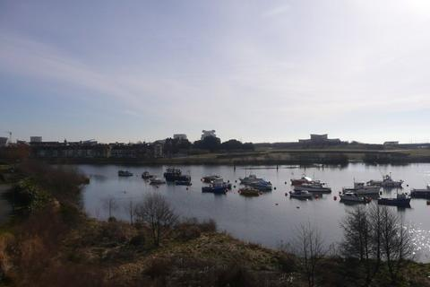 2 bedroom apartment to rent - Jim Driscoll Way, Cardiff Bay