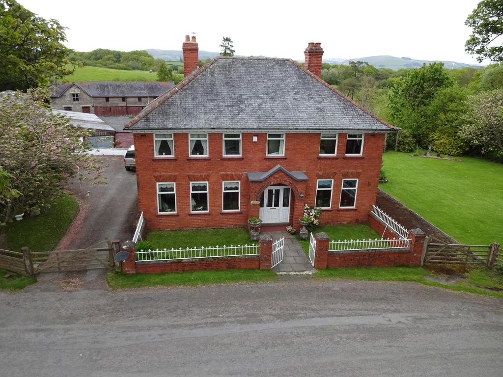5 Bedrooms Equestrian Facility Character Property for sale in Crossgates, Llandrindod Wells, Powys