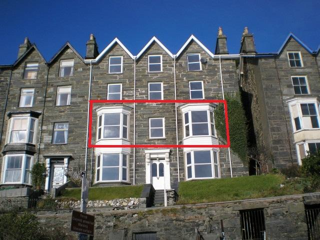 2 Bedrooms Apartment Flat for sale in Apt 1, 2 Porkington Terrace, Barmouth, LL42