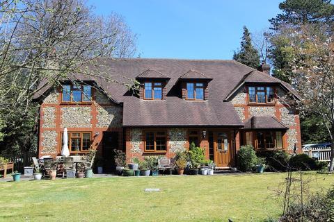 5 bedroom detached house for sale - Hazelwood Lane, Chipstead