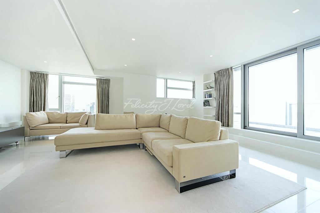 3 Bedrooms Apartment Flat for rent in Pan Peninsula, E14