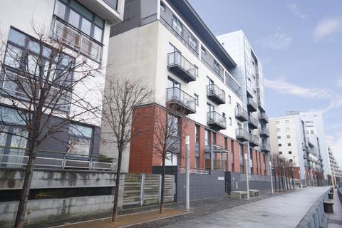 2 bedroom flat to rent - Meadowside Quay Walk, Glasgow Harbour, Glasgow, G11 6AW