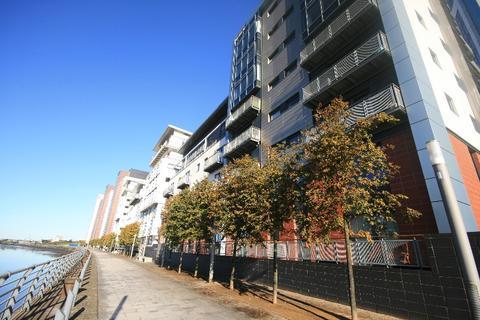 2 bedroom flat to rent - Meadowside Quay Walk, Glasgow Harbour, Glasgow, G11 6AW