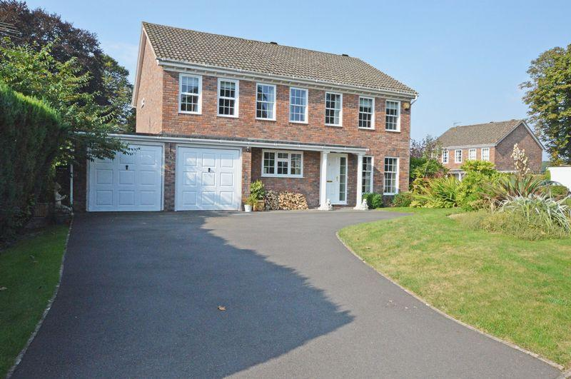 5 Bedrooms Detached House for sale in Kings Road area, Alton, Hampshire
