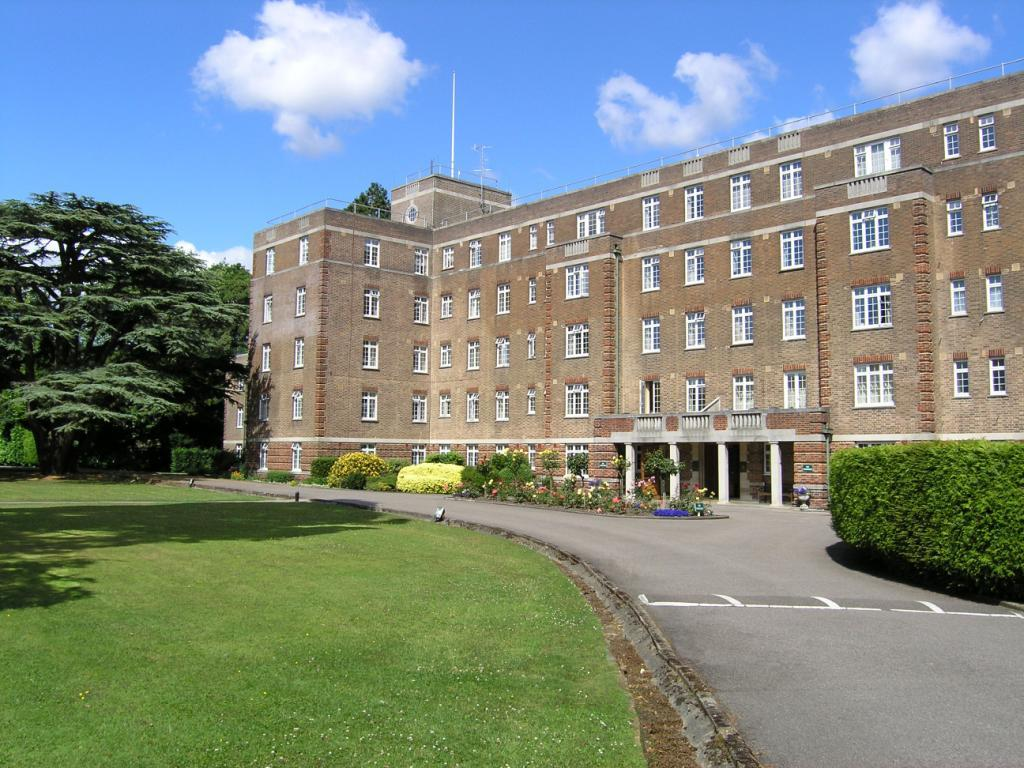 3 Bedrooms Flat for sale in Mount Ephraim, Tunbridge Wells, Kent, TN4