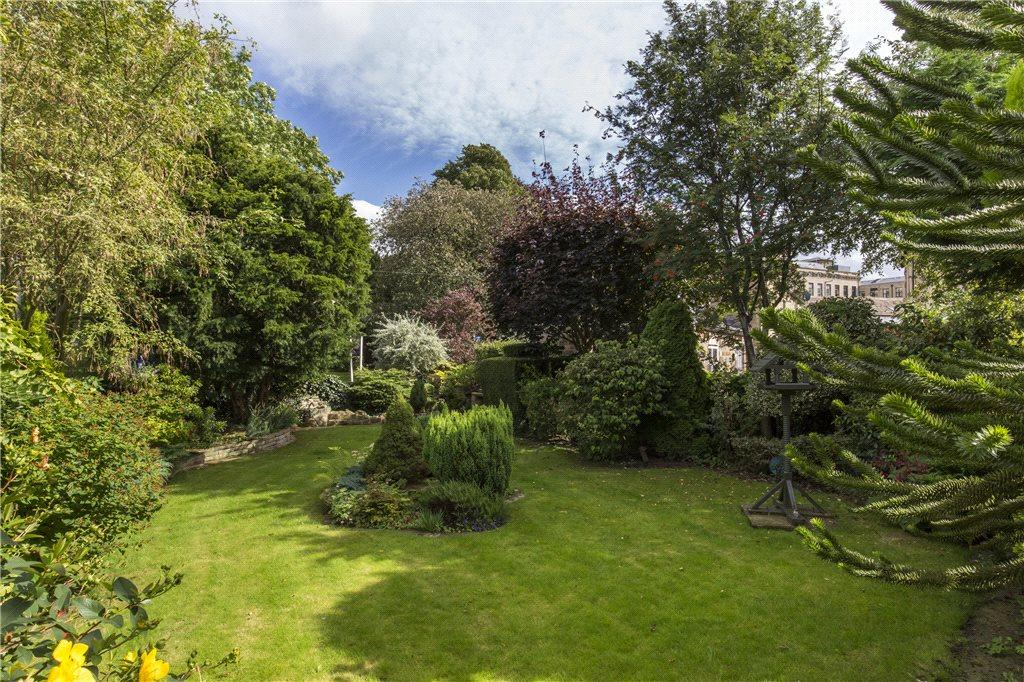 4 Bedrooms Detached House for sale in Ravenshill, Holme Lane, Sutton-in-Craven, Keighley