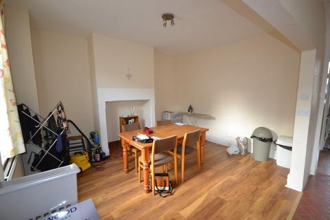 2 bedroom terraced house to rent - Wakefield Road, Huddersfield