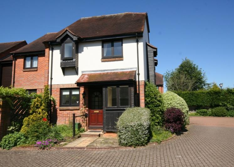 1 Bedroom End Of Terrace House for rent in Thornhill Close, Amersham, Buckinghamshire, HP7