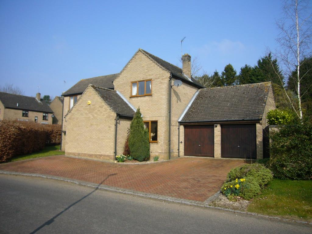 4 Bedrooms Detached House for sale in Hay Close, Great Oakley