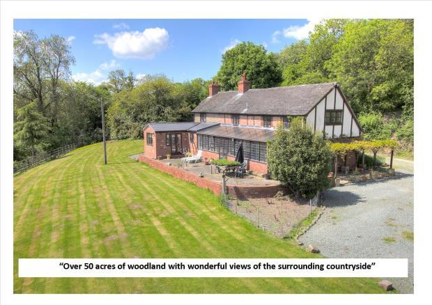 5 Bedrooms Detached House for sale in Bausley Hill Farm, Bausley, Crew Green, Shrewsbury