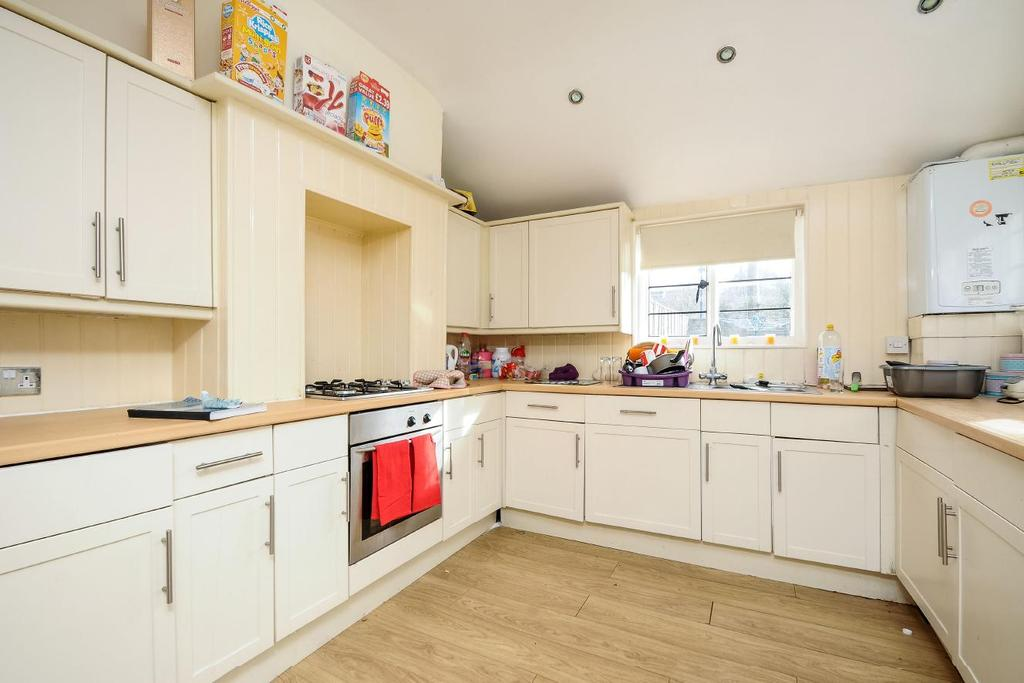 3 Bedrooms Semi Detached House for sale in Oaklea Passage, Kingston upon Thames