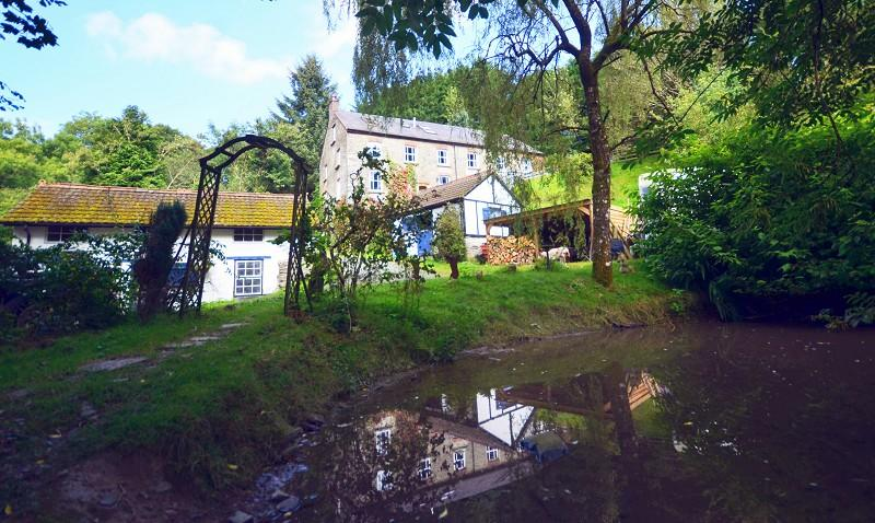 8 Bedrooms Land Commercial for sale in The Old Woollen Mill , Cribyn, Lampeter, Ceredigion. SA48