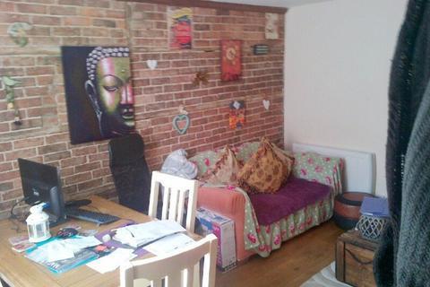 1 bedroom cottage to rent - High Street, Marden, Kent