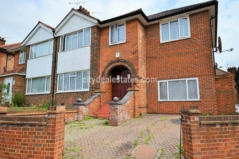 6 bedroom semi-detached house to rent - Gibbon Road, London, W3 7AE