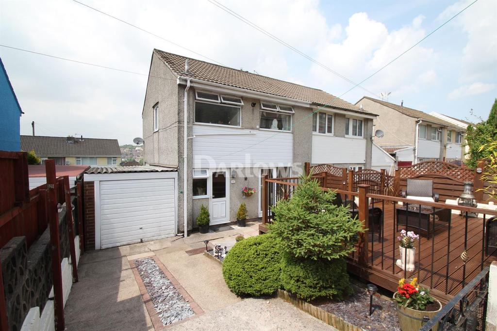3 Bedrooms Semi Detached House for sale in St. Annes Gardens, Maesycwmmer, Hengoed