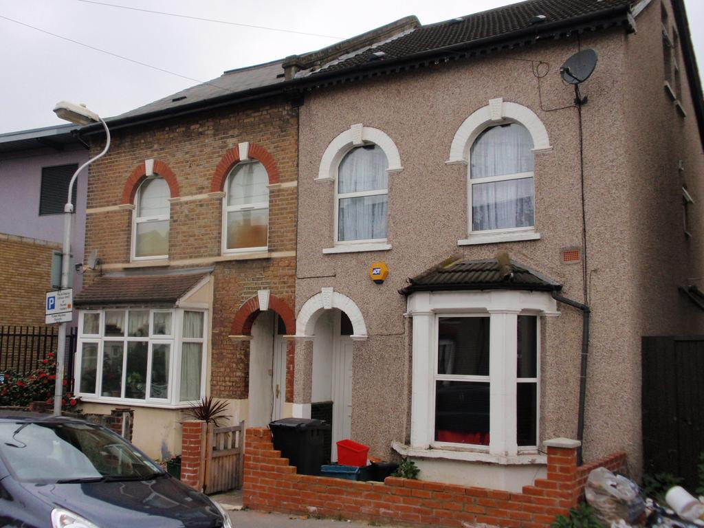 4 Bedrooms Semi Detached House for sale in Grange Park Road, Thornton Heath, Surrey CR7