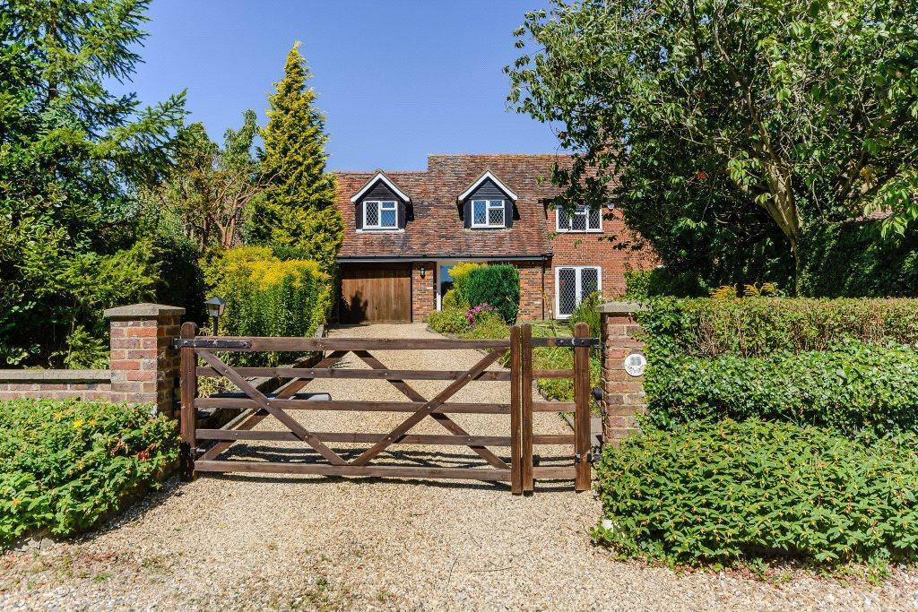 4 Bedrooms Semi Detached House for sale in North Common, Redbourn, St. Albans, Hertfordshire