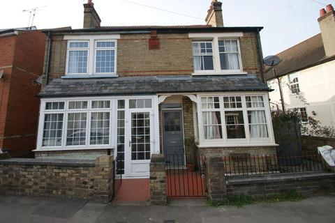 3 bedroom terraced house to rent - Manor Road, Chelmsford, Essex, CM2