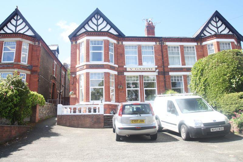 9 Bedrooms House for sale in Bangor, Gwynedd