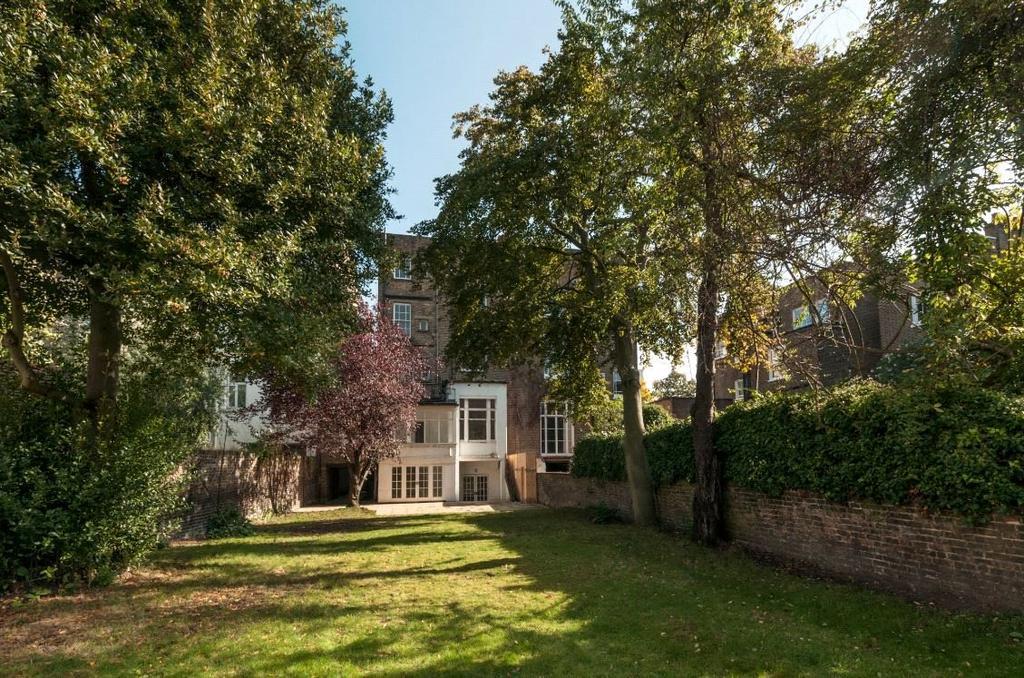 6 Bedrooms Semi Detached House for sale in Pembridge Place, London, W2