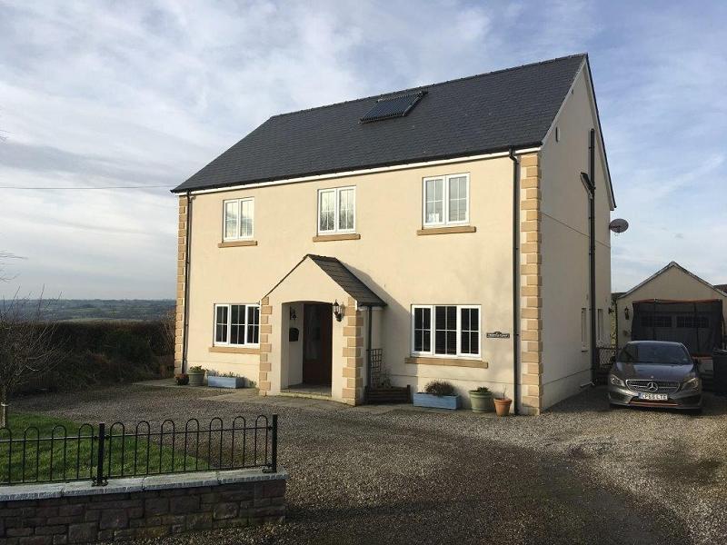 5 Bedrooms Detached House for sale in Trem Y Tywi, Bethlehem, Llandeilo, Carmarthenshire.