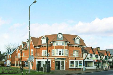 2 bedroom flat to rent - The Clockhouse, The Broadway, Farnham Common, SL2