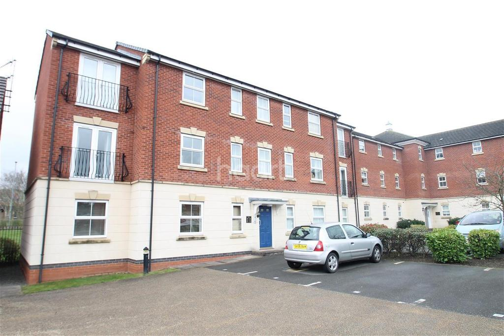 2 Bedrooms Flat for rent in Loughland Close, Blaby