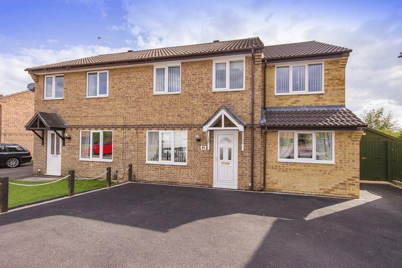 4 Bedrooms Semi Detached House for sale in FISKERTON WAY, OAKWOOD
