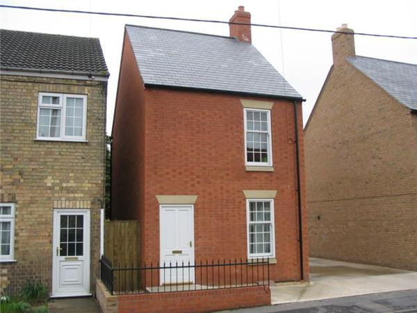 3 Bedrooms Detached House for sale in Hamilton Road, Alford