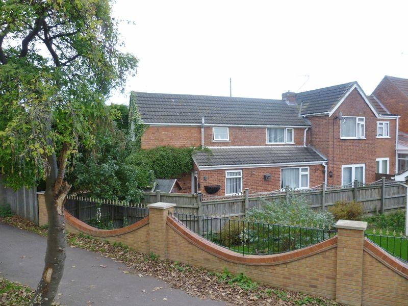 3 Bedrooms Detached House for sale in Old Roman Bank, Skegness
