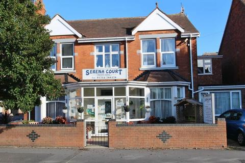 Guest house for sale - Drummond Road, Skegness