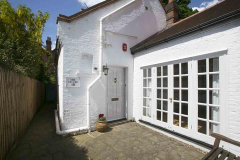 2 bedroom detached house to rent - Queen Annes Gardens, Bedford Park, Chiswick, London, W4