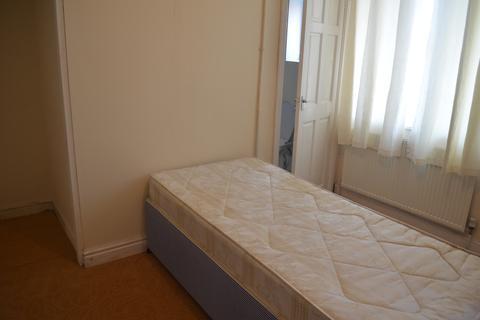 1 bedroom ground floor flat to rent - Linden Road, Leeds, W Yorkshire, LS11