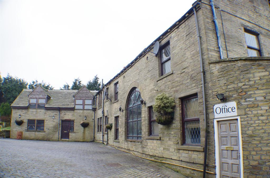 Brighouse & Denholme Road, Denholme, Bradford 6 bed detached house ...