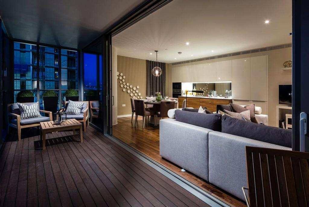 3 Bedrooms Flat for sale in Riverside Quarter, Wandsworth, London, SW18