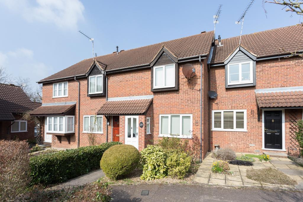 2 Bedrooms Terraced House for sale in Boleyn Way, New Barnet, Herts, EN5