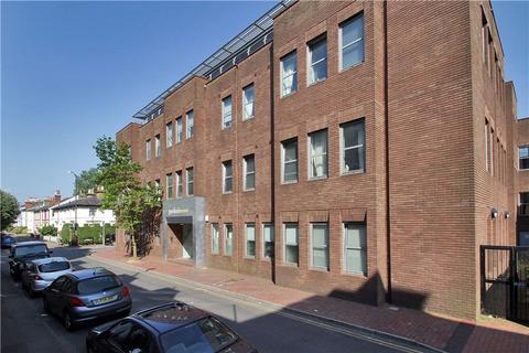 2 bedroom flat to rent - Garden House, Calverley Street, Tunbridge Wells, Kent, TN1