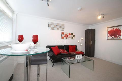 Studio to rent - Earlham House, Golden Triangle