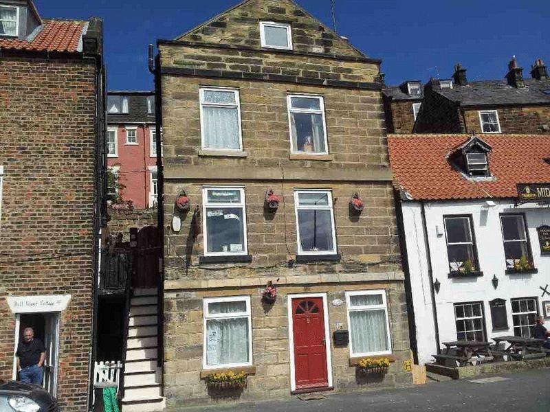 5 Bedrooms Maisonette Flat for sale in Church Street, Whitby