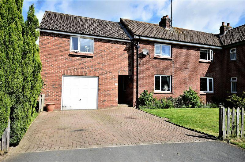4 Bedrooms Semi Detached House for sale in Priory Park, Grosmont, Whitby