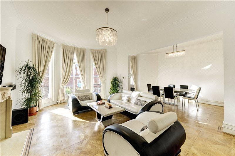 4 Bedrooms Flat for sale in Campden Hill Road, Kensington, London, W8