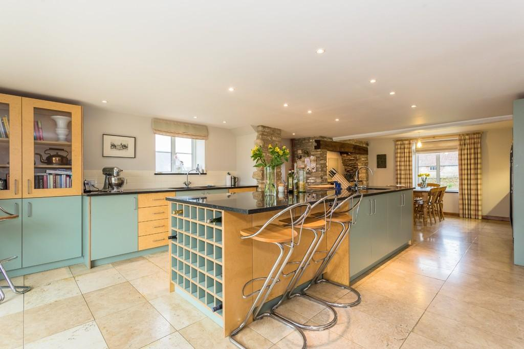 6 Bedrooms Farm House Character Property for sale in West Woodlands, Frome